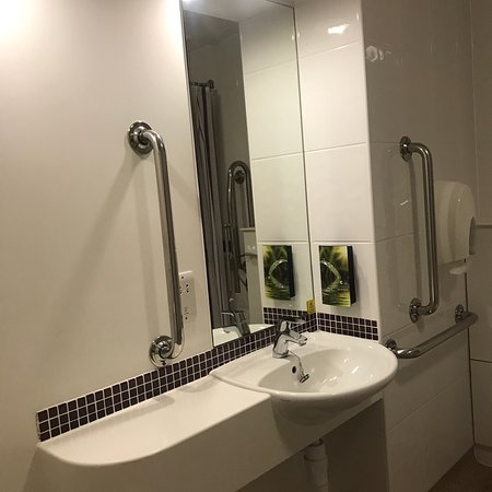 Premier Inn London Gatwick Airport (North Terminal) Hotel Photo
