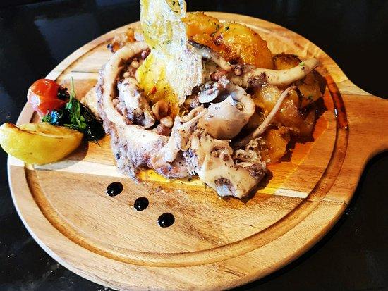 Restaurant Olimpija: Ceasar salad