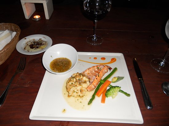 Secrets Silversands Riviera Cancun: Lobster, delicious but it cost extra
