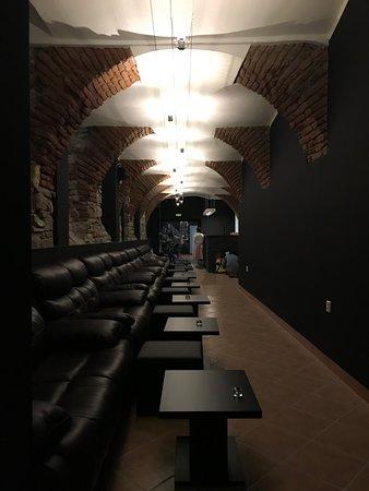 Shi-Shi Lounge