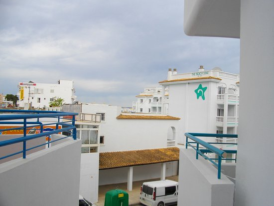 Playa Bella Apartments: View from balcony block 5 with green glass recycle bin!