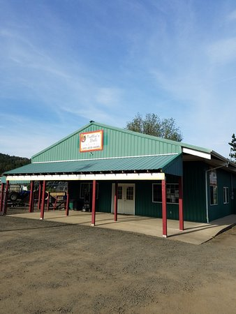 Sutherlin, OR: Nellie's Deli &Tap House