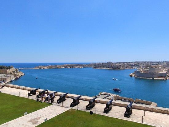Mellieha Bay Hotel: Valletta A must see
