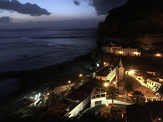 Estalagem Ponta do Sol : vue nocturne depuis la terrasse