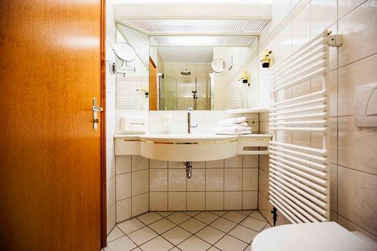 Hotel Adler: Bad Doppelzimmer Standard
