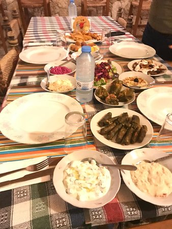 Teo's Restaurant & Bar : The Cypriot dinner - The chicken and lamb skewers were served later.