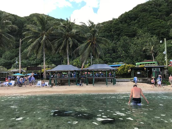 Two Dollar Beach: Good spot to relax and have a drink