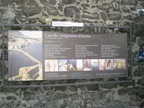 Ischia, Italie: entrata
