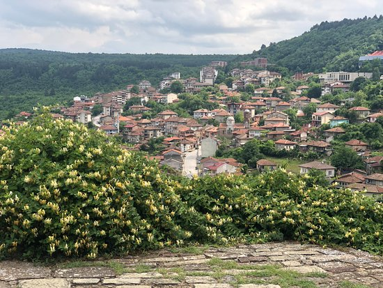 Day Trip to Bulgaria from Bucharest: Veliko Tarnovo