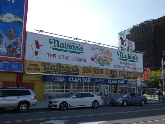 Nathan's Famous: Nathan´s Famous - Coney Island