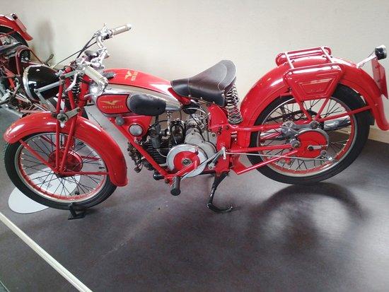 Museum Moto Guzzi : AIRONE 250