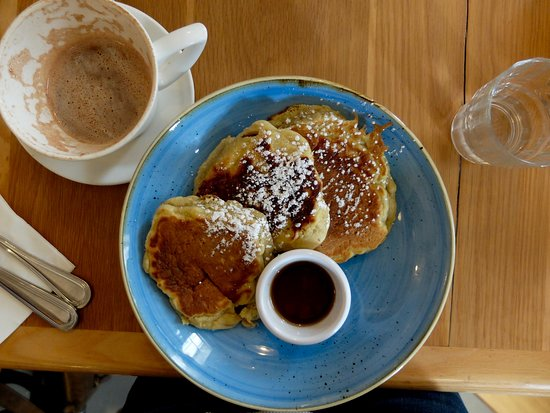 McCambridge's of Galway: Pancakes & hot chocolate