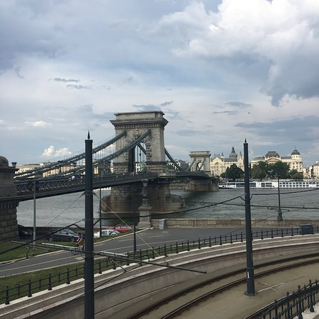Ảnh về Szechenyi Chain Bridge