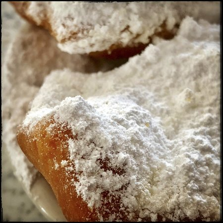Cafe Du Monde : Yummy, messy, I will have these again.