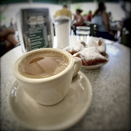 Cafe Du Monde : Beauty shot of the table.