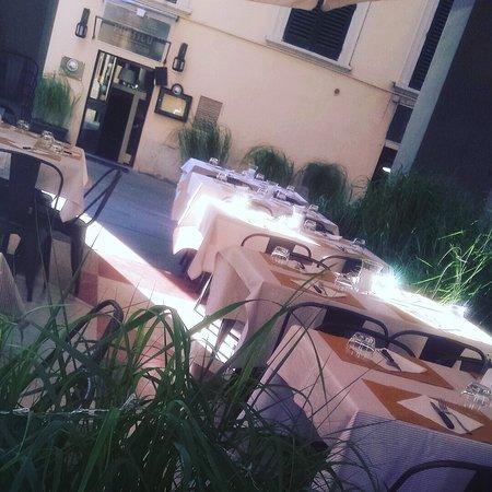 La Taverna Del Portico: spazio esterno