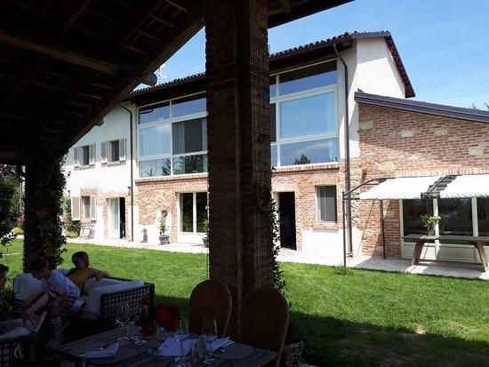 Cascina Cerola Farm Stay : casale principale