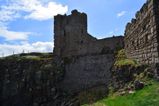 Dunstanburgh Castle: Südost Turm