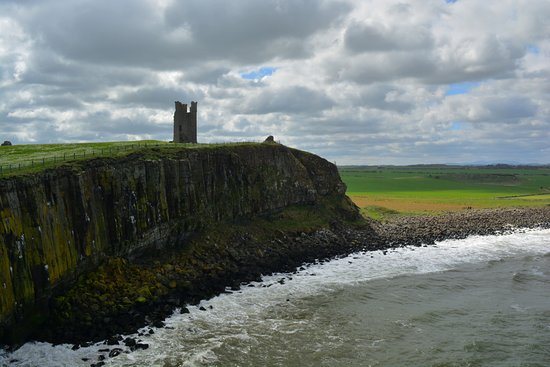 Dunstanburgh Castle: Liburn Tower