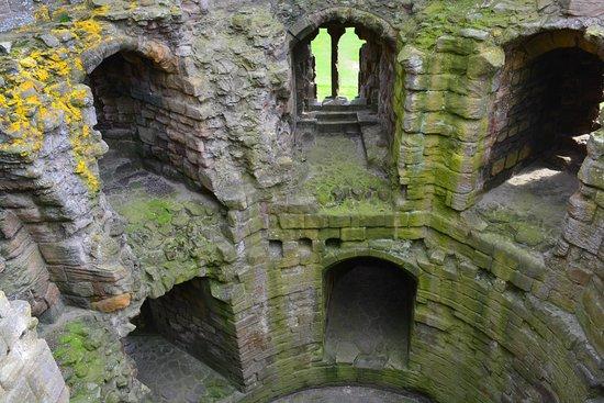 Dunstanburgh Castle: Gatehouse von Innen