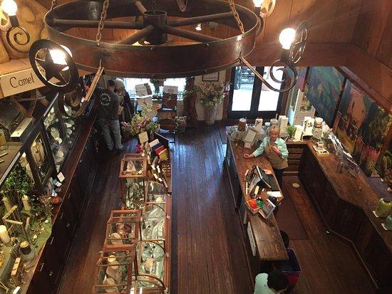 Camp Verde, TX: Original wood floors