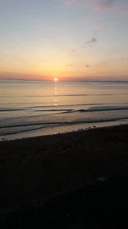 Broad Haven, UK: Sunset outside anchor