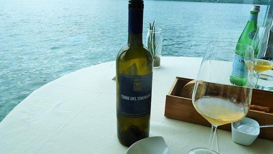 Pettenasco, إيطاليا: Vin bianco Timorasso