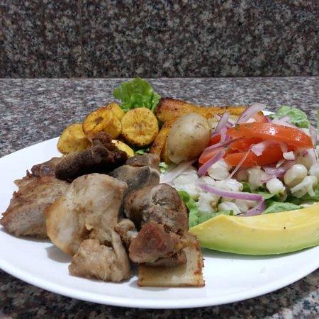 Lokos D' Asar: Atención en desayunos y almuerzos de lunes a domingo de 8am a 15pm atención de asados de lunes a
