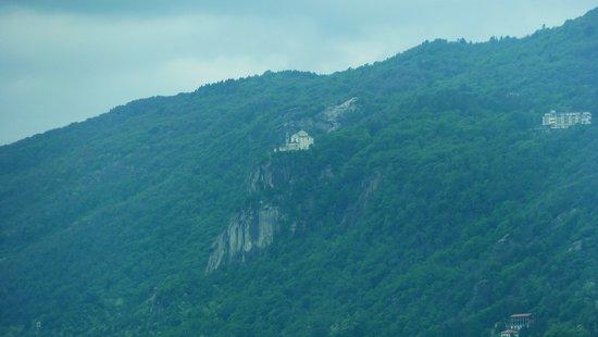 Pettenasco, إيطاليا: Vista della collina