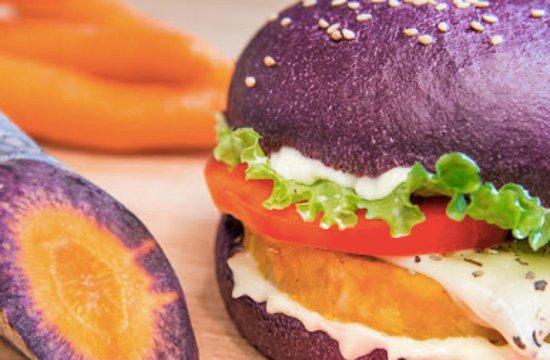 Vita Italian Burger : TESLA
