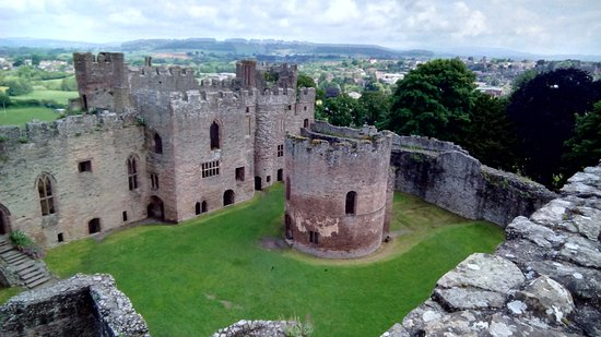 Ludlow Castle: Round chapel
