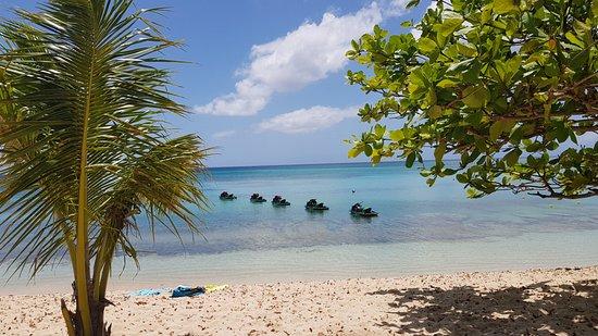 Tarzan Excursion Guadeloupe: plage du souffleur