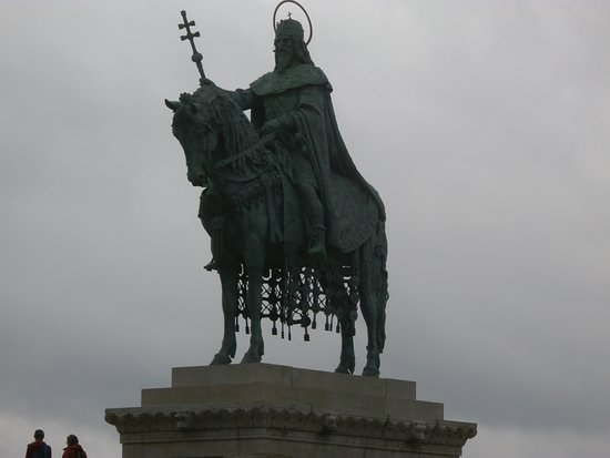 Statue of St Stephen: Estátua St Stephen.