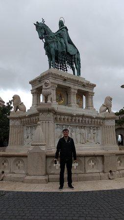 Statue of St Stephen: Estátua St Stephen - Vista panorâmica.