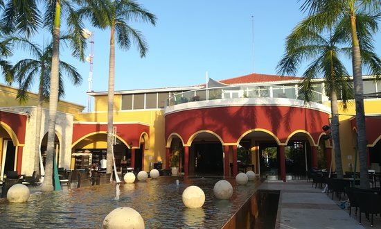 Ocean Maya Royale: Le bâtiment principal