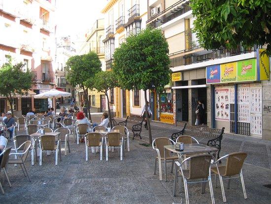 Hotel Sevilla: Puerta de entrada