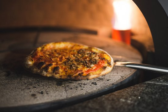 Cornerstone Kitchen: Brick oven pizzas with dough made from scratch