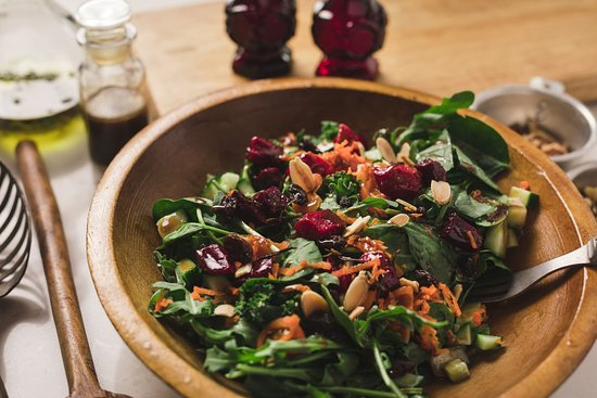 Cornerstone Kitchen: Salads with homemade dressing