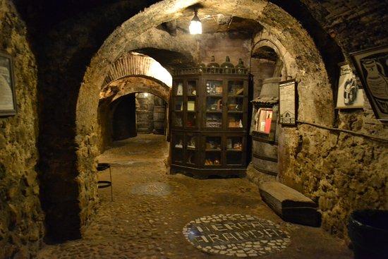Aranda de Duero, Spanien: Interior de la bodega de la Peña Tierra Aranda