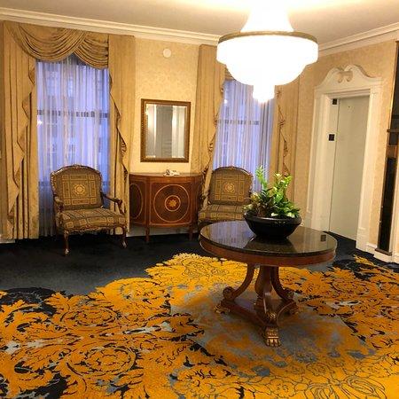 The Drake, A Hilton Hotel Photo