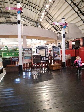 Ulster Folk Museum: Jak na dawej stacji kolejowej