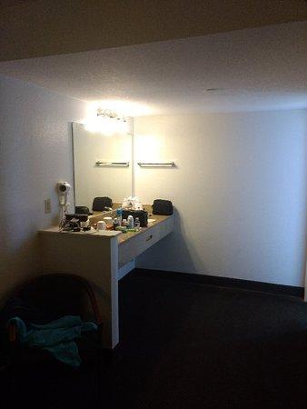 Super 8 by Wyndham St. Augustine Beach: King room , clean, nice room