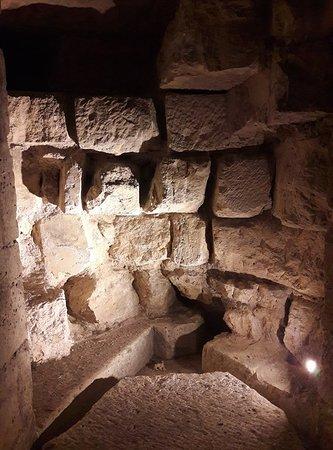Conciergerie: Vestiges de l'escalier médiéval