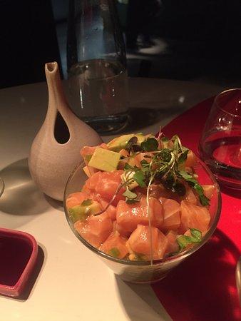 Ikibana Sarriá: Menú de degustación 38€-Tartar salmón