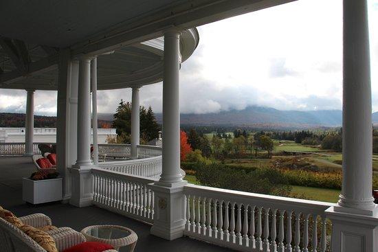 Omni Mount Washington Resort: Back Porch