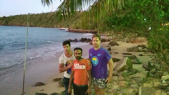 Lanka Inora Travels: ' Jungle beach ' Unawatuna Sri lanka