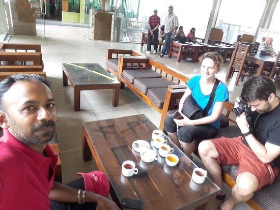 Lanka Inora Travels: Tea time Nuwaraeliya Sri lanka