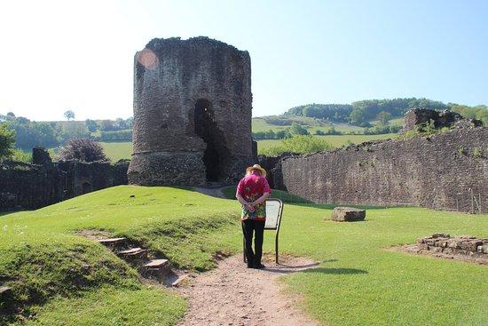 Skenfrith Castle : outerwalls