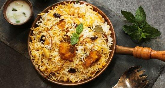 Taste of south: Hyderabadi Dum Biryani......spicy &delicious