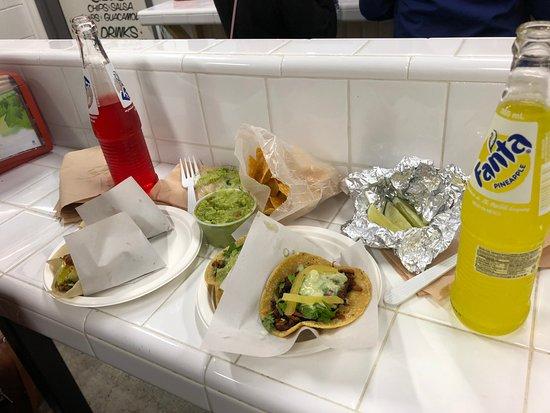 Los Tacos No. 1 : Our order